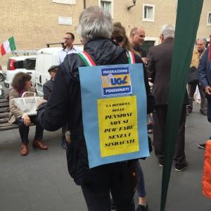 L ugl pensionati in piazza a roma metasocialemetasociale for Commissione lavoro camera