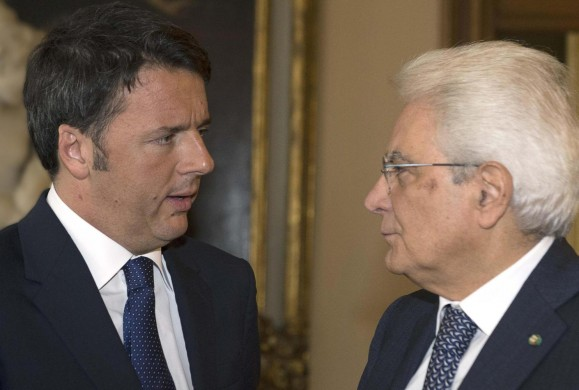 Italian President Sergio Mattarella meets Italian Premier Matteo Renzi ahead of an EU summit tomorrow, at Quirinale Palace, Rome, 14 October 2015. ANSA / US QUIRINALE - PRESS OFFICE +++ANSA PROVIDES ACCESS TO THIS HANDOUT PHOTO TO BE USED SOLELY TO ILLUSTRATE NEWS REPORTING OR COMMENTARY ON THE FACTS OR EVENTS DEPICTED IN THIS IMAGE; NO ARCHIVING; NO LICENSING+++