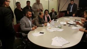 Luigi Ulgiati, segretario nazionale dell'Ugl Chimici, insieme ad Eliseo Fiorin, segretario nazionale Ugl Tessile nel momento della sottoscrizione dell'accordo per il rinnovo del Ccnl Ceramica