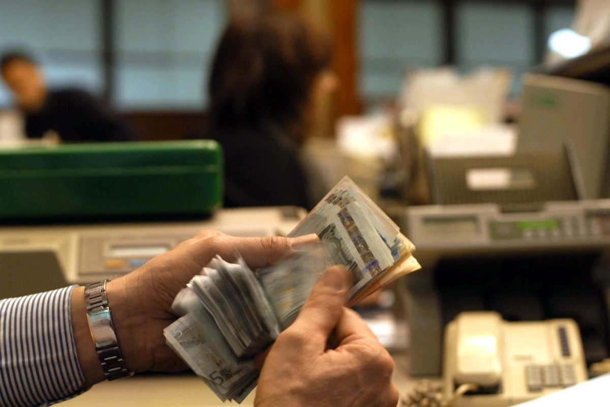Bancari: Staffetta generazionale