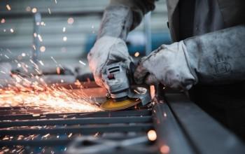 Industria, produzione su dello 0,7% a febbraio