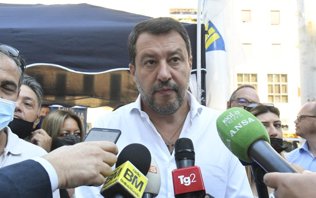 Governo, si rialzano i toni dello scontro Salvini-Lamorgese